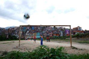 """""""Ποδόσφαιρο να βλέπουμε, θέλουμε από λατίνους, el corazon, η λέξη φτιάχτηκε για κείνους"""""""